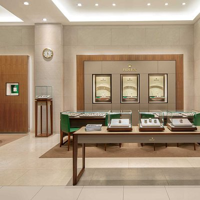 Explore the collection of prestigious, high-precision watches in the world of Rolex.