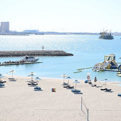 At Marassi Al Bahrain you are never more than a few minutes away from the sea, with easy access to an array of activities which can be enjoyed by all members of the family. Thrill seekers will be drawn to the crystal clear waters to enjoy activities ranging from banana boats to doughnuts, parasailing, paddling boats and kayaks.