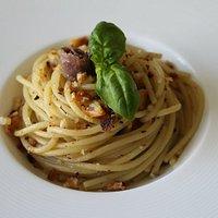 """Spaghettone alla """"Gennaro"""".... Un piatto molto antico della cucina napoletana, ed anche uno dei preferiti dal grande Totò..."""