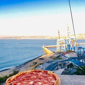 Nuestra querida Pizza Diavola en el Ceerro de Playa ancha de Valparaíso.