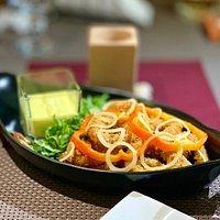 Deep fried calamari appetizer.