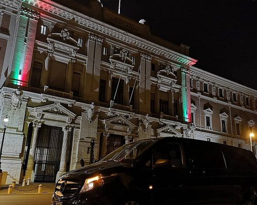 Incredible Rome by Night Tour on board with Best Rome Driver