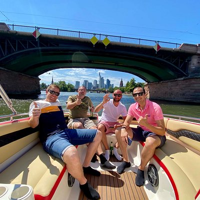 Personalized experience with no more than 15 people per group on a private DELUXE boat cruise in Frankfurt. Tourguide is a Frankfurtian and makes this river cruise a blast.
