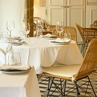 breakfast, lunch or dinner in style