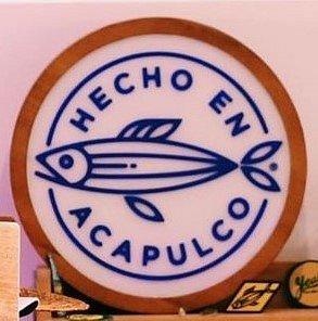 Hecho en Acapulco,  junto al Hotel Acasol