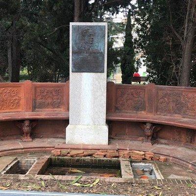 Escultura de Ramon Pla i Armengol.