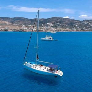 Salty Cruises | Exploringng the beauties of Paros | Daily boat trips