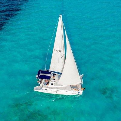Pachanga catamaran - 30 passengers