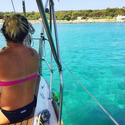 Escursione giornaliera in barca a vela con soste bagno