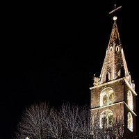 Eglise Notre Dame de la Visitation à Martigny avec son clocher néogothique