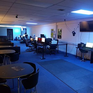 Our lounge features 2 Oculus Rift VR Headsets, 3 F1 Simulators, A Full Motion Racing Simulator and 6 Performance Gaming PCs.
