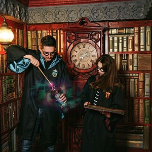 Dueling Wizard MEGA Escape Room (Library Room)
