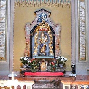 L'interno della Chiesa  di Sant'Ambrogio