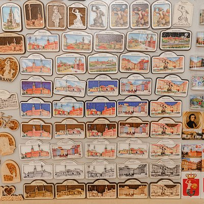 Wall of magnets with Royal Castle, Chopin nad amber