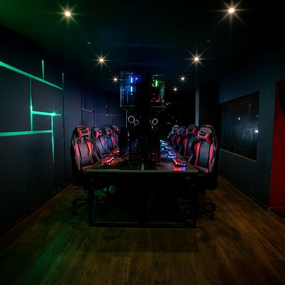 Our extreme room offers the best hardware and gear quality for you to feel the absolute gaming experience!