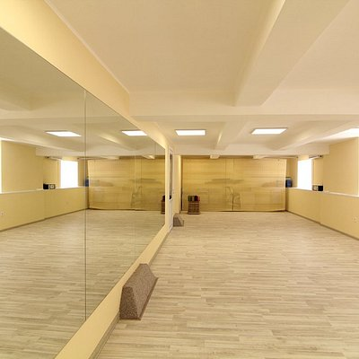 Light and inspirational Big Hall for fitness activities.