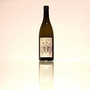 Vino blanco Alcañón. Nuestros vinos son naturales fermentados con sus propias levaduras (fermentación alcohólica) y bacterias (fermentación maloláctica) de forma biológica y artesanal.