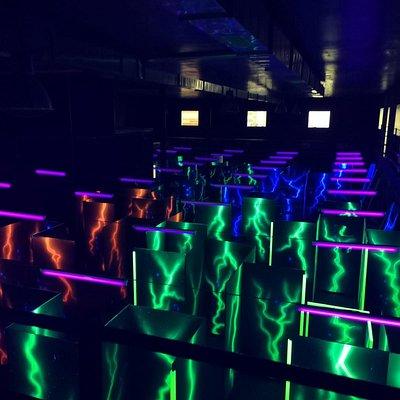 arena di gioco indoor di oltre 300 mq tantissime modalità di gioco area bar , eventi , happy hour, feste private.