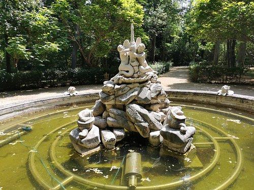 Fuente de Los Cisnes.