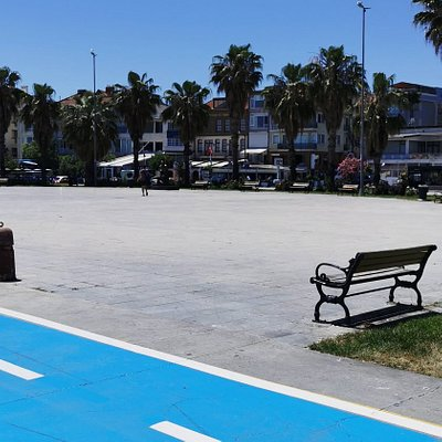 If you are looking for a beach in Istanbul to do sun tanning and enjoy the weather and sun, you must visit Yeşilköy in Bakırköy part of Istanbul (Europe). If you would like to enjoy a calm vocation with great facilities, I do recommend you to choose Çinar Hotel.