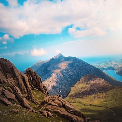 We're daydreaming about these views today 💚 #FillYourHeartWithIreland  📍Slieve Bearnagh, County Down  📸 instagram.com/robertttt97/