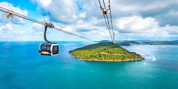 Sun World Hon Thom Nature Park - – World's longest sea-crossing cable car 7.899,9m in length that officially opened in February 2018