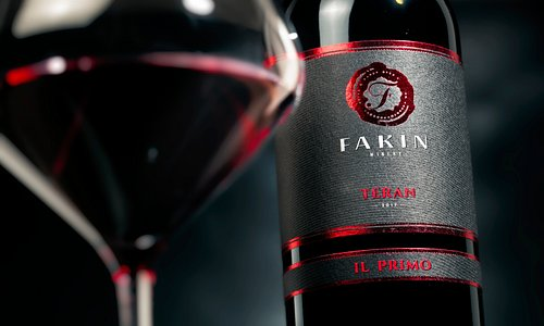 """Teran """"Il Primo"""" Dry red wine aged in barrique barrels"""