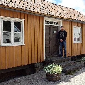 Barnevandrersenteret på Konsmo. Guide: Olav Flottorp. Foto: privat