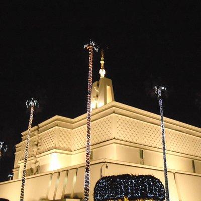 El templo es hermoso en todos los días del año.