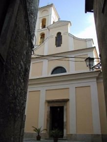 Sorge nel cuore del piccolo centro storico di Falvaterra