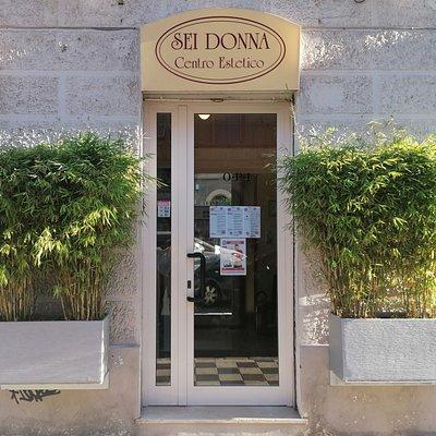L'ingresso del nostro centro estetico e massaggi in Ancona, la sede del relax!