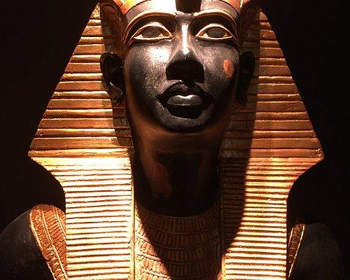 Il volto di una statua del ka