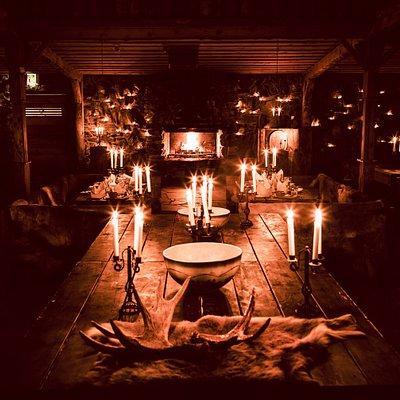 Sadan kynttilän seinä Pohjanseidassa. Tämä on juhla- ja illallispaikka, joka ei jätä ketään kylmäksi.