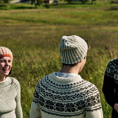 We offer hand knitted sweaters and also yarn and pattern for knitters.