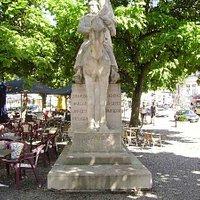 monument au 4ème Régiment de Lanciers