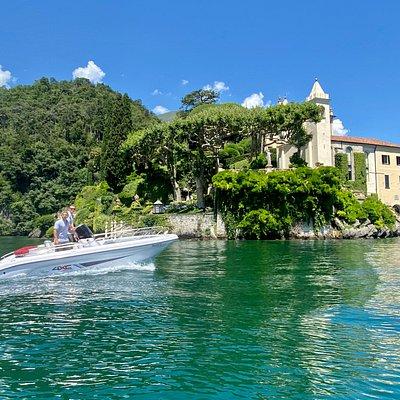 Lezzeno rent a boat is located in front of Villa Balbianello!