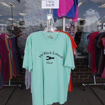 ME - WELLS - FASHION OUTLET - OUTDOOR RACK #2 OF MAINE SOUVENIR T-SHIRTS