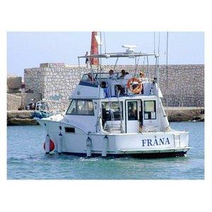 """Yate """"Frana"""" Con 14 metros de capacidad para disfrutar en alta mar ⛵🌊🌞 #yachtlife #yatesdelujo #eventos #celebration"""