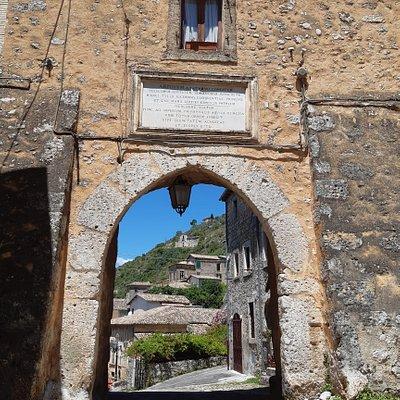 Porta di Saturno o Porta Napoli
