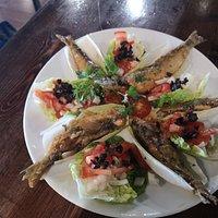 Esquisitas sardinas en escabeche Y dorada al horno