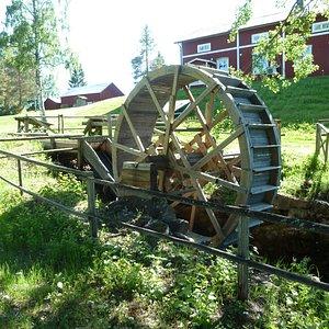 Vattenhjul för spånhyvel