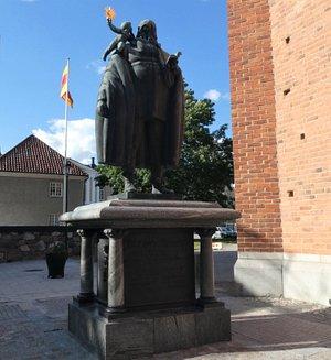 Statyn ''Johannes Rudbeckius'' i Västerås