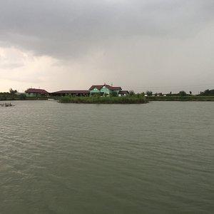 the lake o a rainy day