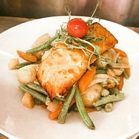Pan-Fried Fillet of Salmon on a bed of seasonal veg and mash