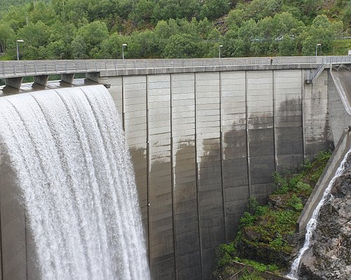 A majestic waterfall built in the years 1966-69.