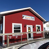 This is the Puffin Café where we had awesome fish and chips...delicious with home fries and coleslaw...all to perfection
