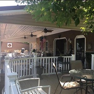 Experience the wines at Starr Hill Vineyard & Winery