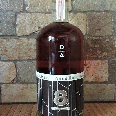 Le Charles-Aimé Robert, une boisson alcoolisée fabriquée à partir de la sève d'érable, Domaine Acer, Auclair, Témiscouata.  Vous trouverez au Marché Public Lafontaine plusieurs de leurs produits.