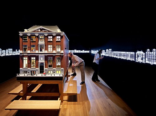 Museum of the Canals - Dollhouse of the canalhouse - Who lived in this canalhouse?