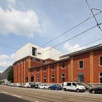Löwenbräukunst building: inside is Kunsthalle Zürich, the Migros Museum für Gegenwartskunst and several large and small contemporary art galleries.